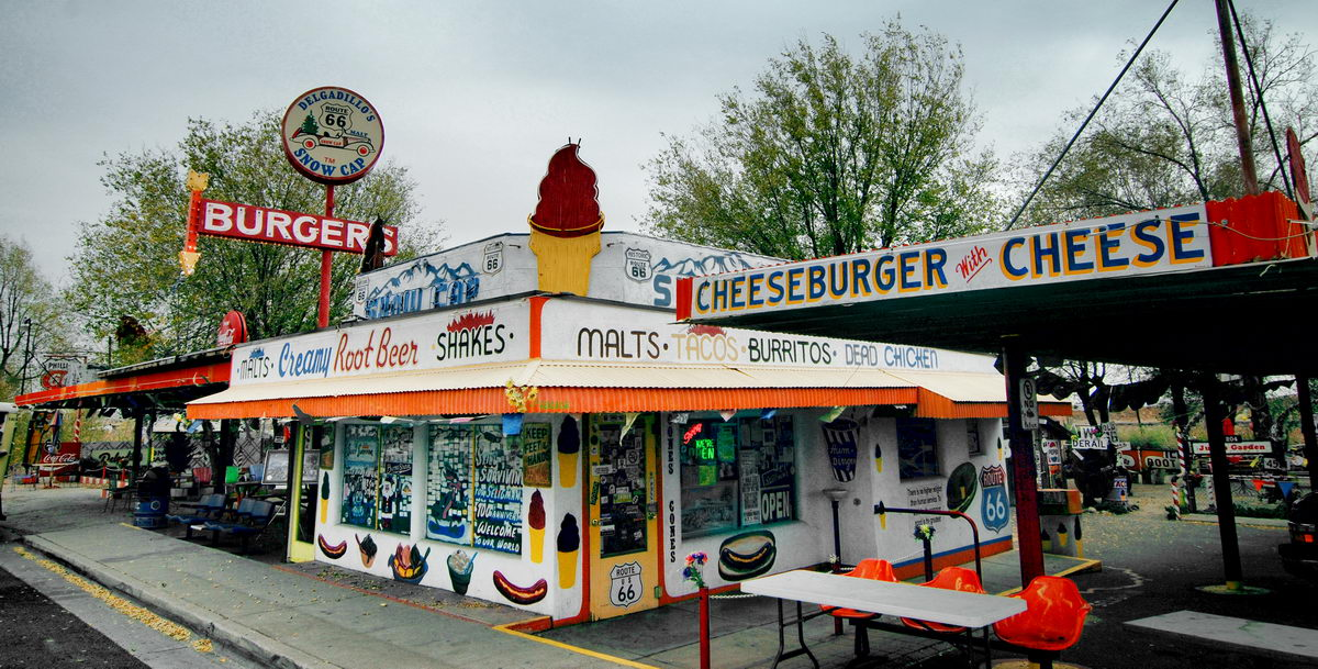 the-snow-cap-drive-in-seligman-arizona-has-been-serving-burgers-and-jokes-to-customers-since-the-1950s-on-route-66